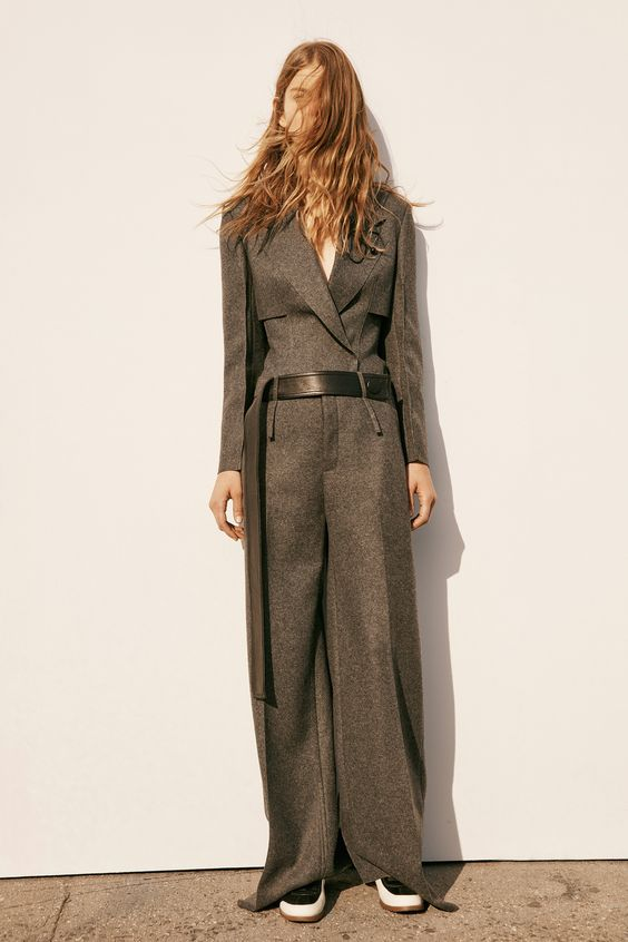 http://www.vogue.com/fashion-shows/pre-fall-2016/calvin-klein-collection/slideshow/collection