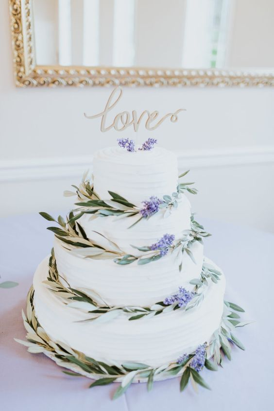 Cake Topper | Simple Wedding Cake | Lavender Wedding | Woodinville Wedding | The Greatest Adventure Weddings & Elopements | Tony Asgari Photography | Borracchini's Bakery