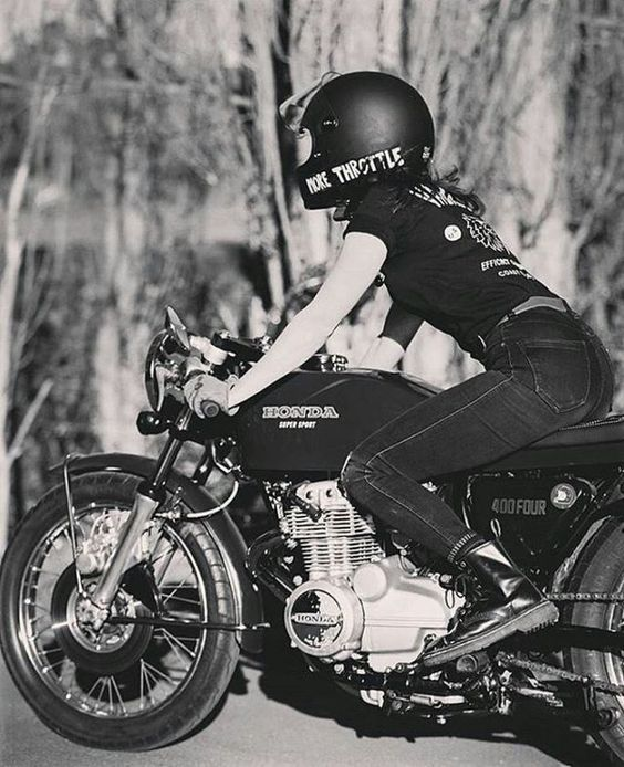 @Regrann from @mcrgirls  Throttle on into the week  Katie the Rad @katieabdilla  by @wade777 #honda #cb400f #mcrgirls #womenwhoride #realwomenwhoride #motobabes #caferacer #caferacersofinstagram #bobber #motogirl #motolife #thedreamroll #babesrideout #womensmotoexhibit #motodoll #melbourne #melbcaferacers  tag #karbkulture to get featured!   #regrann via Instagram http://ift.tt/2d8Jr4R