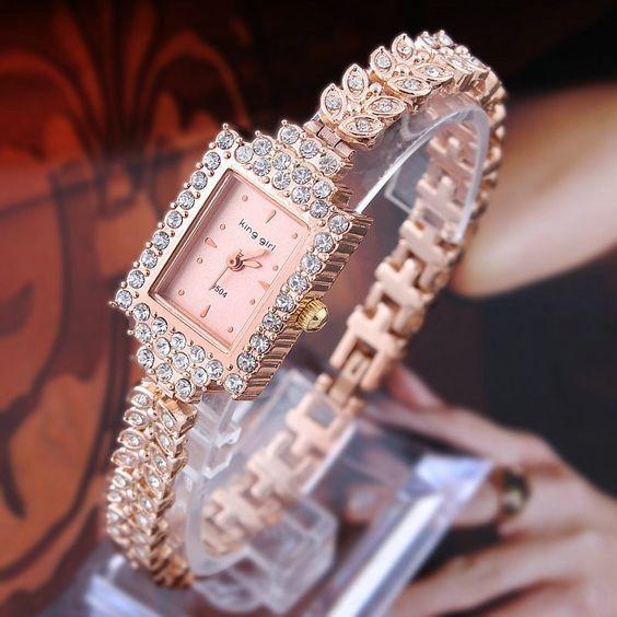 Modelos de relógios feminino todo revestido de strass.