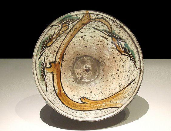 Plat (L'esprit Mingei, Musée du Quai Branly) by dalbera, via Flickr