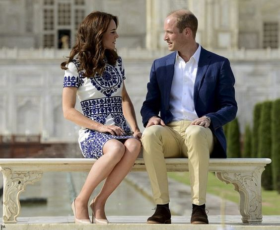 hrhduchesskate:  Royal Tour 2016, Day 7, Taj Mahal, India, April 16, 2016-The Duke and Duchess of Cambridge: