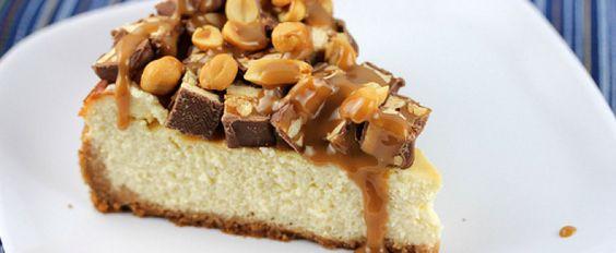 Cheesecake com chocolate snickers