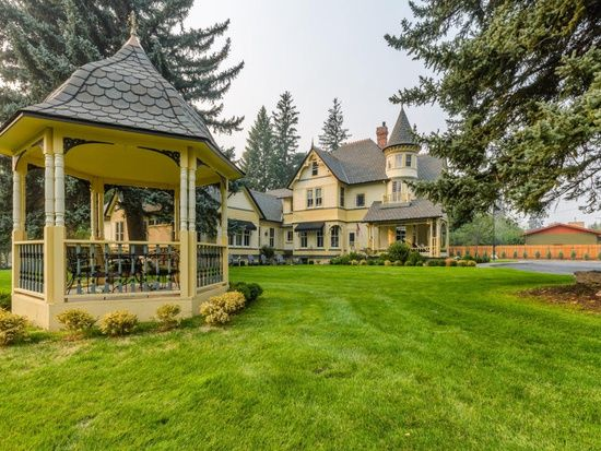 2215 Raymond Ave Missoula Mt 59802 Mls 21712504 Zillow Abandoned Mansion For Sale Missoula Montana Victorian Homes