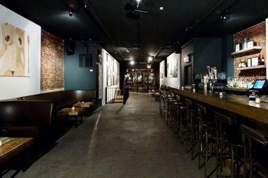 Gallery Bar - http://art-nerd.com/newyork/gallery-bar/