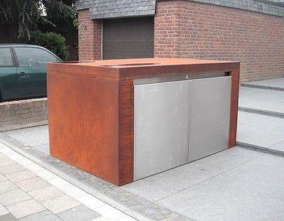 In Willich haben wir für unseren Kunden eine ganz aussergewöhliche Mülltonnenverkleidung aufgebaut. Gefertigt aus Edelstahl und Corten. Es handelt sich dabei um eine 4er Mülltonnenbox, die von zwei Seiten zugängig ist.Die Türelemente wurden aus geschliffenem Edelstahl gefertigt und sind grifflos. Der Körper der Cortinox Mülltonnenbox ist aus Corten-Stahl gefertigt. Corten ist ein spezieller, wetterfester Baustahl. Das, was aussieht wie Rost, ist Rost. Unter der gewünschten Rostschicht mit…