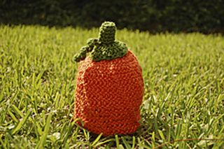 A great pattern for fall photo shoots or trips to the pumpkin patch! Whip one up yourself from this super soft yarn.