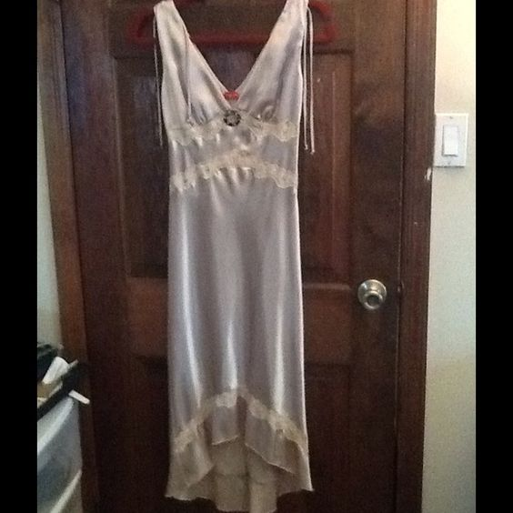 RUBY ROX GOLD SATIN LOND DRESS sz 5, MINTY! Ruby ROX sz 5, satin gold dress. Pretty crystal accent at v. Plunge neck halter style.  Ties hang at shoulder.  Just gorgeous!  Will ship right away. CHECK OUT MY OTHER AMAZING ITEMS Ruby Rox Dresses