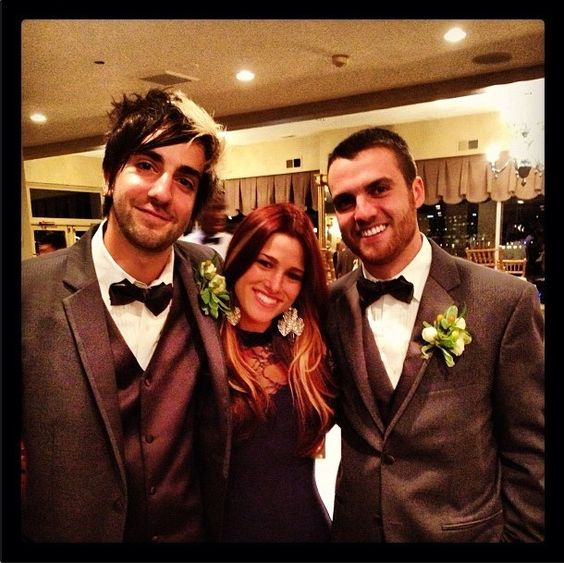 is rian from all time low dating cassadee They first met when hey monday opened up for all time low on their 2008 holiday tour however, at the time rian was dating his long time girlfriend kara.