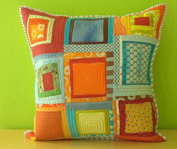 Quilted pillow idea .... Fun! Love the colors!