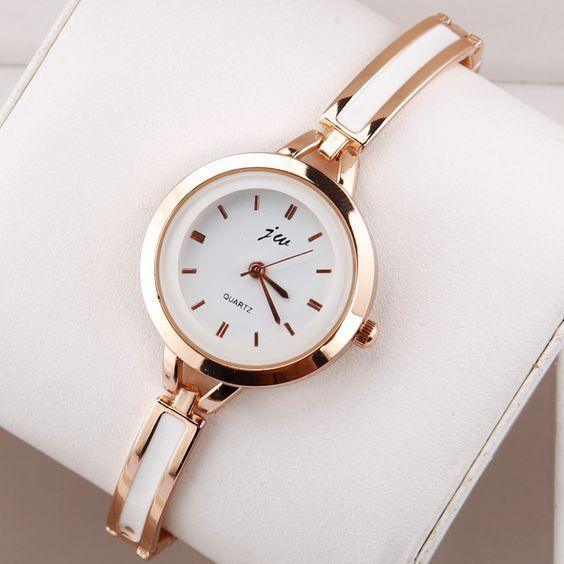 Modelos de relógios feminino elegante, branco com dourado