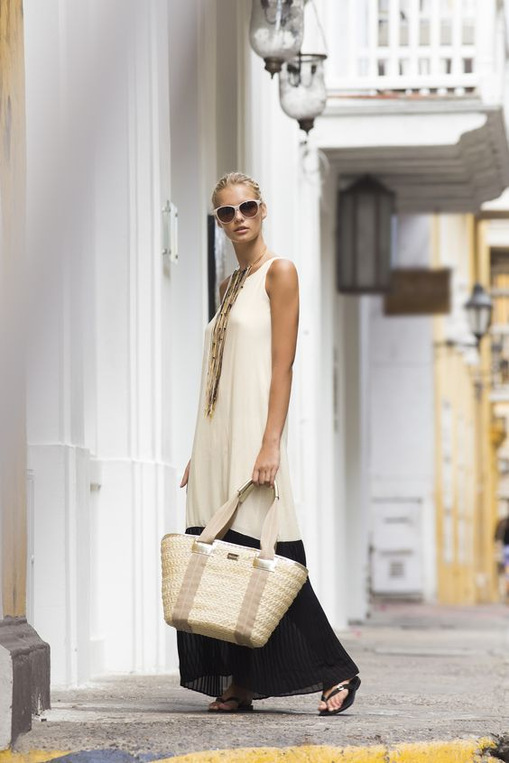 Ambra Pleated Maxi Dress / Sunglasses / Beach Bag / Shop Online at www.touche.com.co Touche Collection