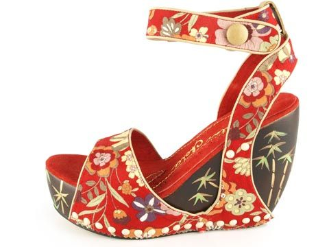 These are gorgeous!  But I would have no where to wear them...but I think they're awesome anyway!