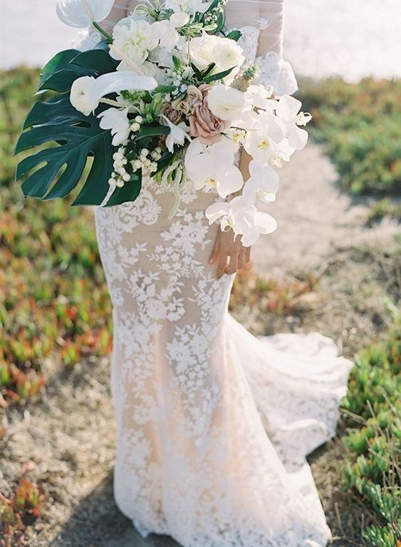 An All White Wedding With A Chic Tropical Twist Tropical Wedding
