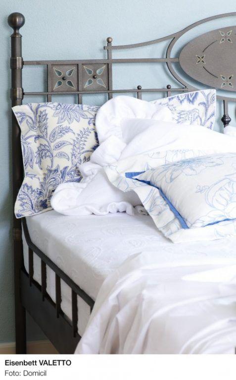 Schlafzimmerideen * Inspirationen fürs Schlafzimmer * sleeping well * bedroom * maritimer Einrichtungsstil * Metallgestell fürs Bett