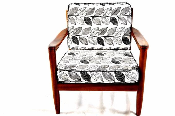 Easy Chair 1200,-€ www.hyggelig-berlin.de