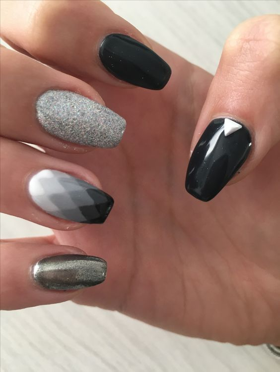 Fifty shades of #grey #nailart