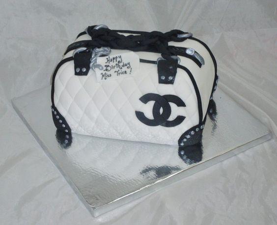 3D Chanel Bag cake www.creativecakesbykeekee.com