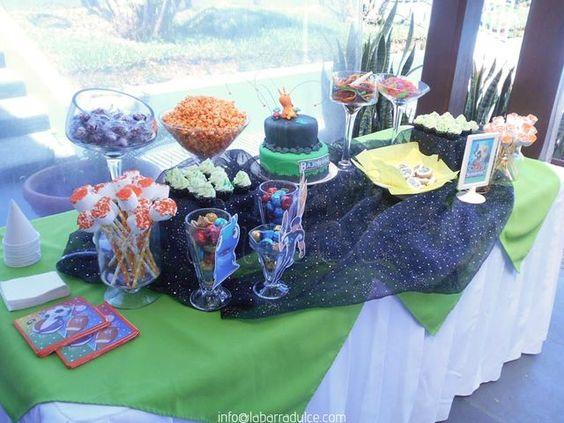 Slugterra pool party Catch my party!   #labarradulce #Guatemala #cupcakes #cubiletes #pasteles #cakes #designcakes #pasteldediseño #sabores #flavors #gourmetflavor #pinklemonade #limonadarosada #limeade #limon #rosa #pink #rosado #citrus #citrico #lemonadestand #Slugterra #Bajoterra #slugs #babosas #burpy #ClubItaliano