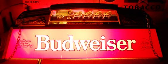 vintage budweiser clydesdale pool table light circa 1986 breweriana. Black Bedroom Furniture Sets. Home Design Ideas