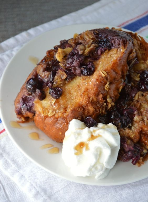 Slow Cooker Blueberry Crunch French Toast - Sugar Dish Me
