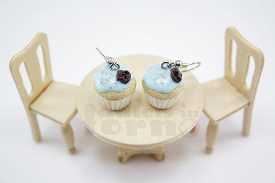 Orecchini con cupcakes allo zucchero filato_25,00€_  Monachelle rodiate. L'intero catalogo su www.dulcisinforno.blogspot.com Contatti: info@dulcisinforno.com