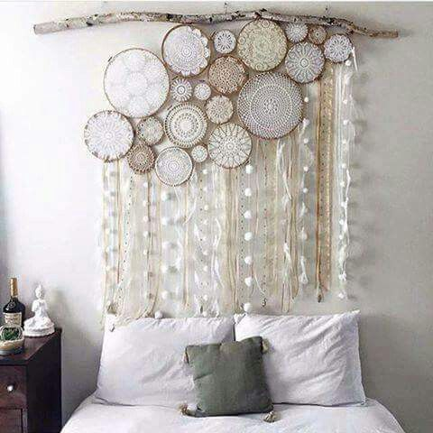embroidery hoop projects you can 39 t resist installations artistiques mur de ruban et. Black Bedroom Furniture Sets. Home Design Ideas