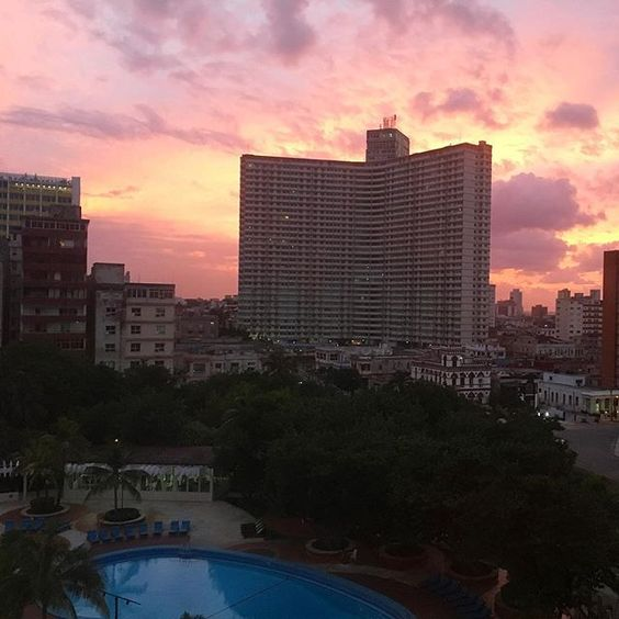 This was the stunning sunset on the last night of our trip to Havana a couple of days weeks ago. Such a pretty sky, right?