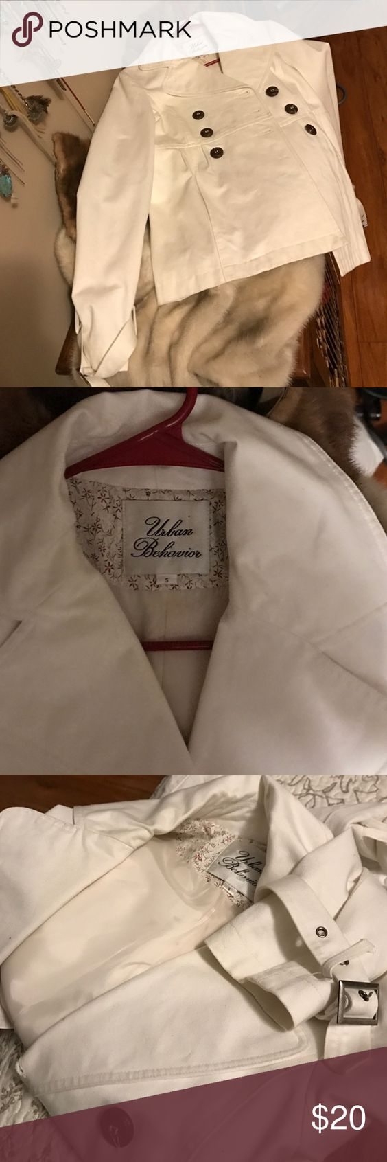 urban behavior peacoat white small lines jacket urban behavior peacoat white small lines jacket see pics or feel to ask questions jackets