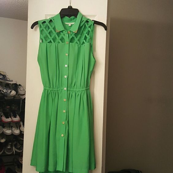 Green Dress Green Dress with gold buttons Chord Dresses