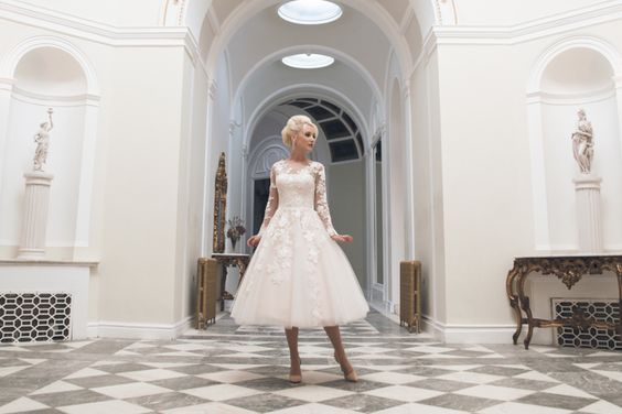 England's House of Mooshki gowns are for high style brides with a penchant for vintage glamour. Tailored with the finest chiffons, silks and satins from around the world, Mooshki dresses are made to measure and finished at the highest standard. | UK Luxe List | Strictly Weddings