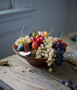 Alder wood fruit bowl.