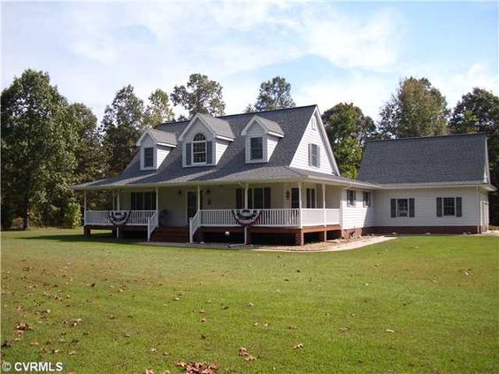 Fenced garden cape cod homes and attached garage on pinterest for Cape cod garage