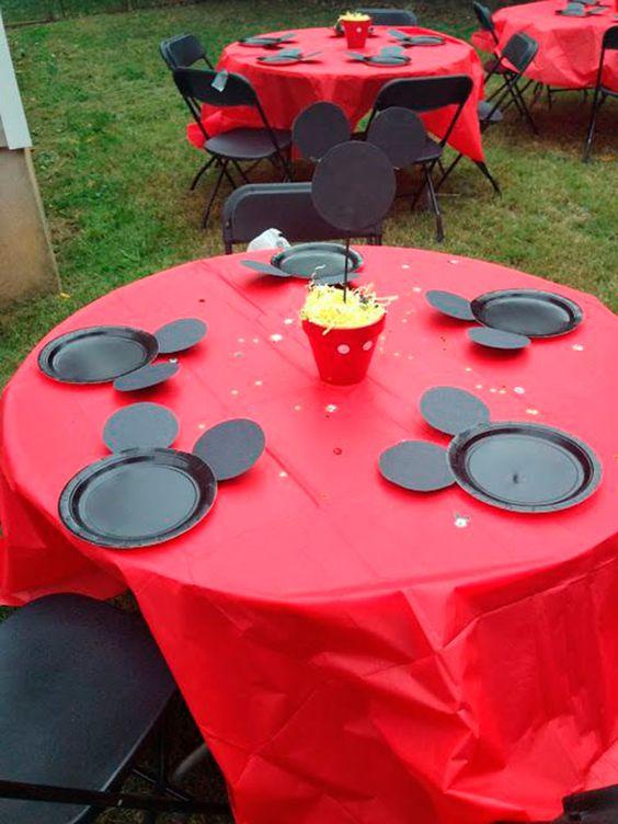 mesa de atividade do mickey para festa:
