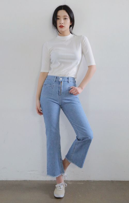 [STYLENANDA] WELT POCKET ACCENT HIGH WAIST JEANS