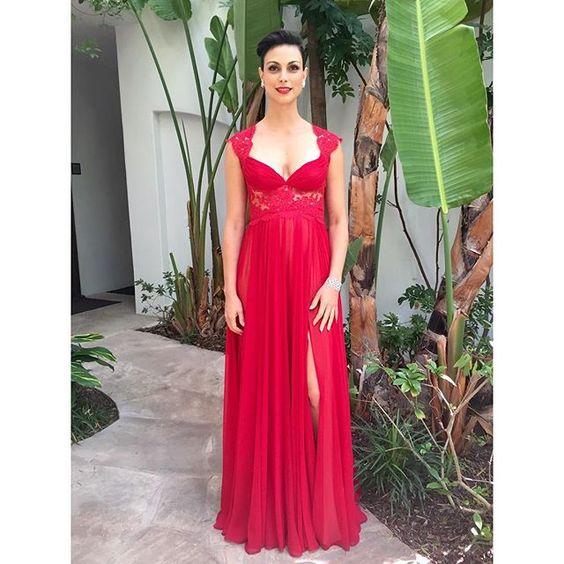 Had the pleasure of styling the exceptionally beautiful, Morena Baccarin for tonight's Emmys!  Stunning glam by @jamiemakeupgreenberg + @sascha_breuer Tap for credits! Tap Tap if you like it! #MorenaBaccarin #Emmys #Emmys2015