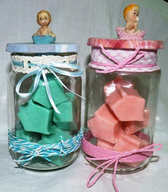 Para mi gusto!! maravillosos!! Frascos decorados con detalles para niñ/ninño. El regalo para visitar al recíen nacido!! Jaboncitos elaborados con aceite de Caléndula y  aromas suaves y sofisticados!