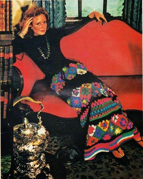 Várias peças em square de crochê encontradas na net. Compartilho para inspirar as crocheteiras.
