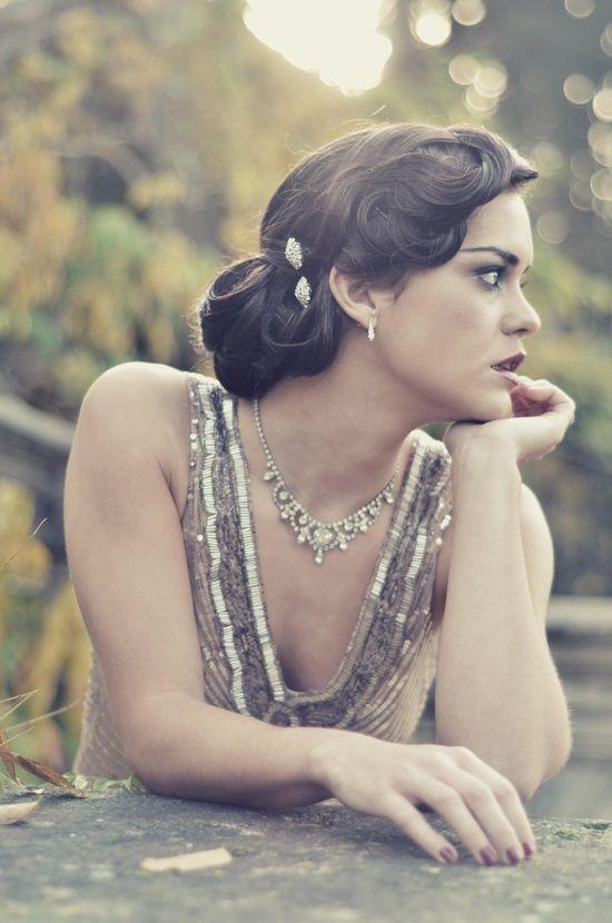 Brunette Vintage Wedding Hair Style Inspiration