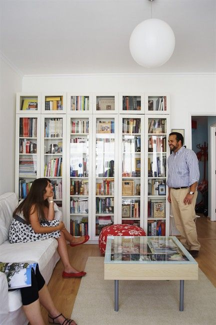 Glass-fronted shelves can show off and protect a collection of books