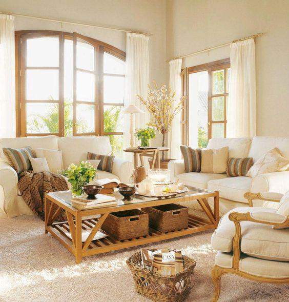 Uma sala clara, arejada e convidativa