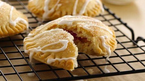 Strawberry Sugar Cookie-Stuffed Pies: Pies Recipe, Cookies Pies, Cookie Pies, Cookie Stuffed Pies, Pie Recipes, Strawberry Pie, Pie Cookies, Sugar Cookie