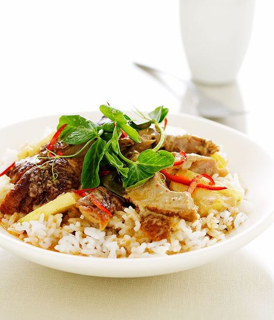 Red duck curry with pineapple and tamarind recipe | Gourmet Traveller recipe :: Gourmet Traveller