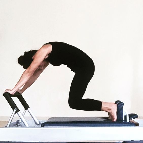 Equipment Based Pilates: Knee Stretch Curve