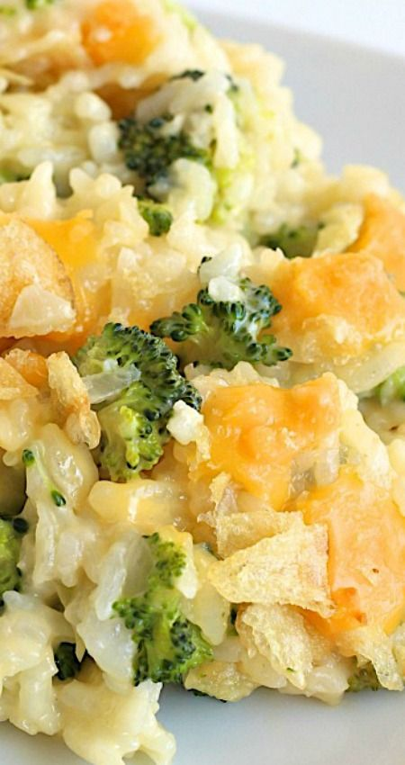 Cheesy Broccoli Rice Casserole ~ Easy cheesy broccoli rice casserole is a classic and comforting side dish that's great with a weeknight meal or holiday buffet.