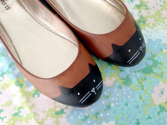 sapatilha de gatinho ♥  + links em: http://rafaribeiiro.blogspot.com.br/2013/03/daqui-e-dali-60.html