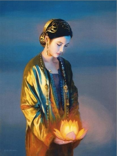 Kwan Yin may hold a willow branch, a vase with water or occasionally, a lotus flower. The willow branch is used to heal people's illnesses or bring fulfillment to their requests. The water ( the dew of compassion) has the quality of removing suffering, purifying the defilements of our body, speech and mind, and lengthening life.: