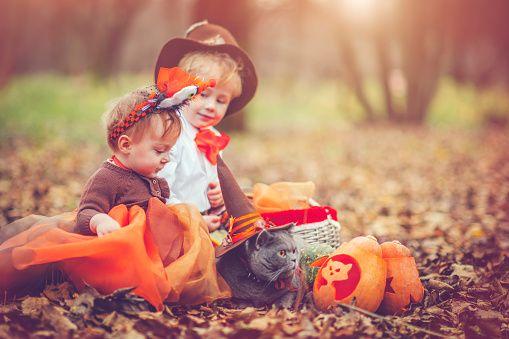 お子様のお祝いのハロウィーン ストックフォト