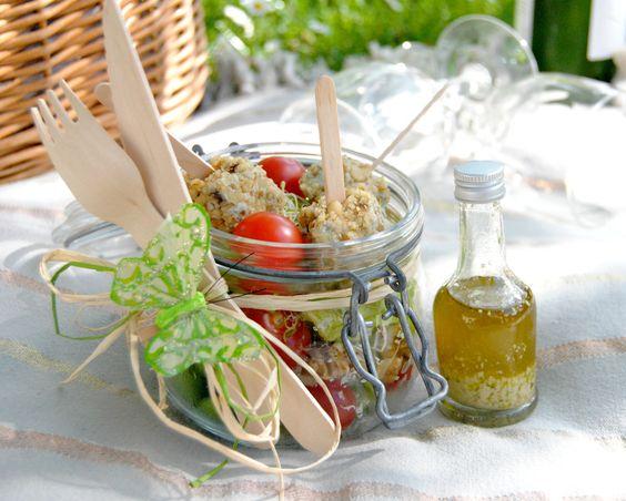Sucettes roquefort cranberries, salade et vinaigrette roquefort «Pique-nique chic»