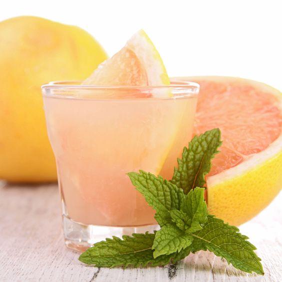 Los zumos de frutasson excelentesaliados para adelgazar, además de brindarte frescura y un vaso lleno de rico sabor. Ingredientes: El zumo de una toro